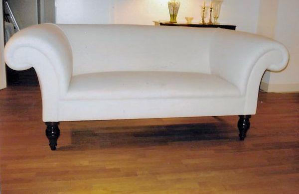 Handgefertigte Hochwertige Chesterfield-Möbel Beautifully crafted