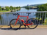 Neuwertiges Fahrrad Cross Bike