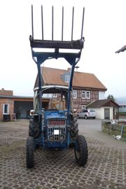 Ford Traktor Schlepper Ford 3055