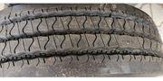 Einen neuen Reifen zu verkaufen