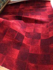 neuwertiger Teppich rot 1 60