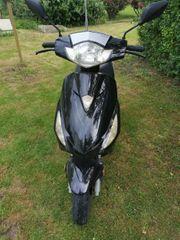 Motorroller Roller