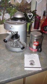 Espressomaschine mit Milchaufschäumer