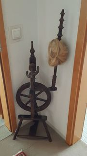 Spinnrad aus echtem Holz