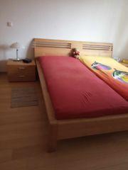 Holzbett aus massiver Erle geölt