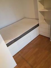 Neuwertiges Ikea Holzbrett mit Matratze