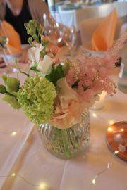 Wunderschöne Gläser Vasen 32 Stück