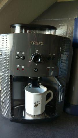 Verkaufe Krups Kaffeevollautomat EA810B