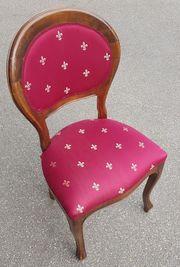 3 antike Stühle altersbedingte leichte