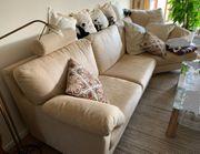 schöne Qualitäts Couch warmes Beige