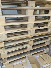Brennholz-Freuerholz Alte Paletten und Holzdeckel