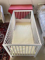 Bett für Baby oder Kleinkind