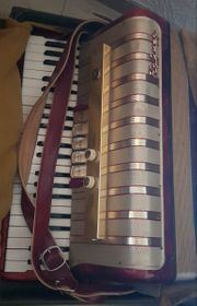 Akkordeon Hohner Concerto IV rot