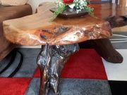 Couchtisch aus massivem Reedwood Holz