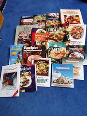 verschiedene Kochbücher und Backbücher 17
