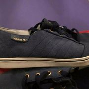 Blaue Adidas Schuhe Neuwertig 43