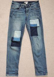 Jeans von Mandarin mit Flicken
