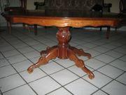 antiker Tisch Nussbaum