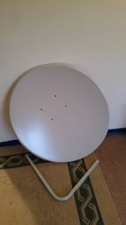 Satelliten Schüssel mit LNB Anschluss