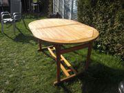 Schöner Holz Gartentisch