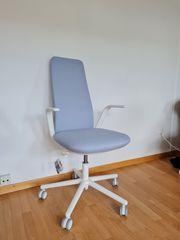 Designer-Bürostuhl in weiß grau unbenutzt