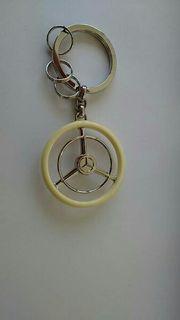 Schlüssel Anhänger mit Mercedesstern