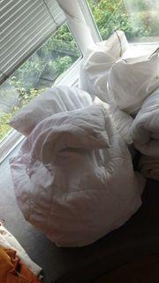 Decken und Kissen
