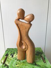 Holzfigur liebendes Paar Deko Objekt
