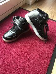 Jungen Sneakers Leuchtende LED-Schuhe Größe