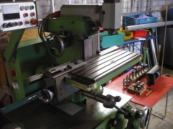 Universalfräsmaschine Aciera F3