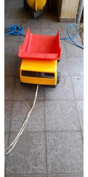 Kinderspielzeug Kipper