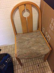 EINEN Stuhl