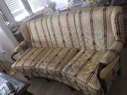 Schöne Sofa mit 2 Sessel