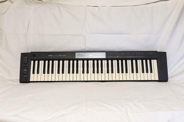 Keyboard Kawai KC20