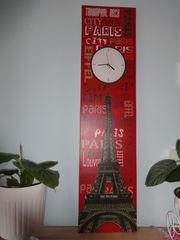 moderne XXLWanduhr Eifelturm rot schwarz