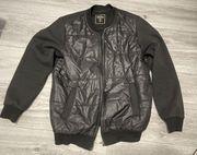 Schwarze glänzende Jacke L super