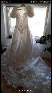 Brautkleid Modell