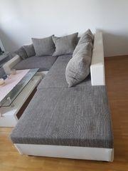 Stylisches weiß-grau-meliertes L-Sofa