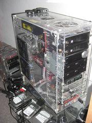 Computer mit Acrylgehäuse