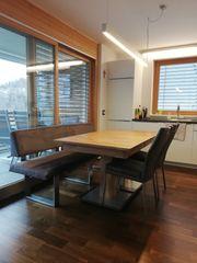 Esstisch mit Stühle und Bank