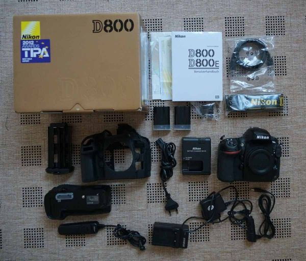 Nikon D800 36, 3 MP Digitalkamera - mit Zubehörpaket