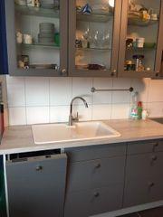 Komplette Küche ohne Kühlgeräte zu
