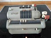 Antike Kurbel Rechenmaschine