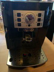 DeLonghi Kaffeevollautomat Magnifica ECAM 22