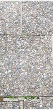 Verschenke Terrassen- Gehwegsplatten