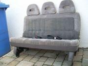 Autositzbank 3-sitzig mit Kopf- Nackenstützen