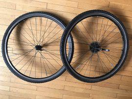 Fahrradzubehör, -teile - Fahrrad-Kompletträder 28 auf Schwalbe-Reifen mit