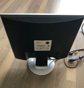 Monitore, Displays - Flachbildschirm Yakumo TFT 17 XPT