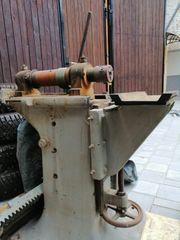 Vertikalfräsmaschine