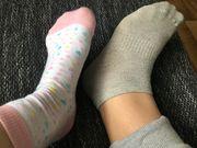 Getragene Socken je nach Vorliebe